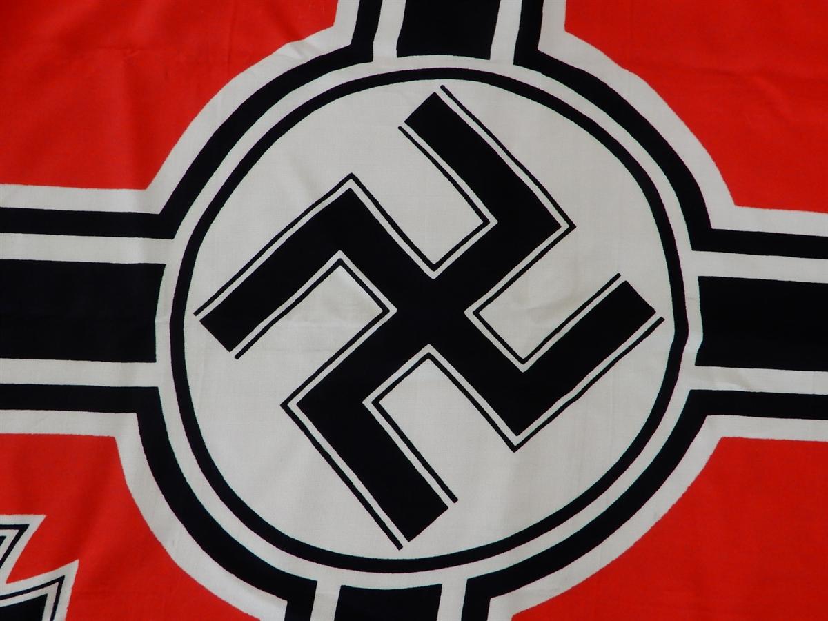 Reichskriegsflaggen Photo-2-1217-9